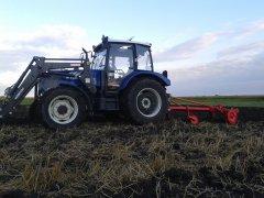 Farmtrack 675DTN &pług