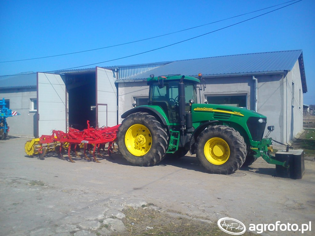 JD 7920 i Pottinger Synkro 4003