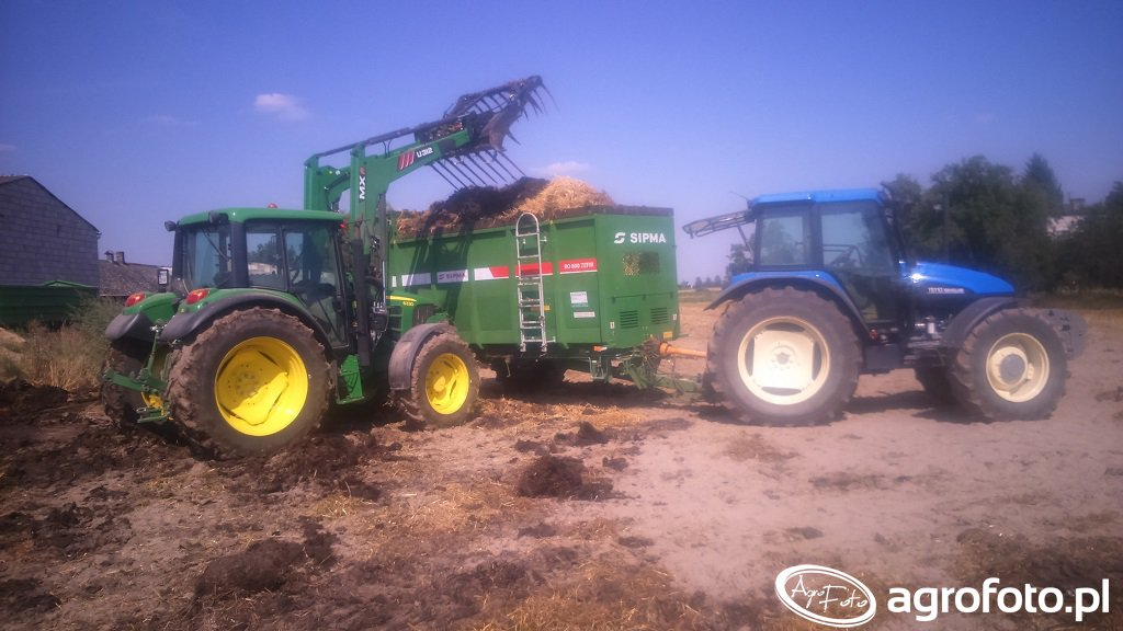 John Deere 6330 i New Holland