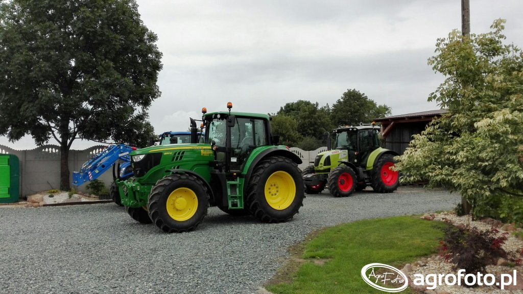 John Deere & New Holland & Claas