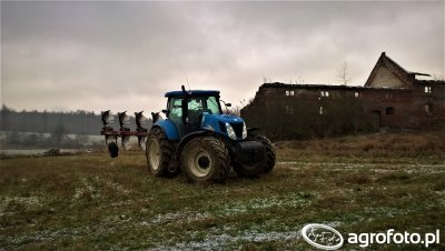 New Holland T7060 & Unia IBIS Vario