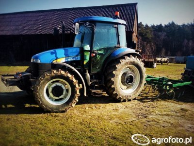 New Holland TD5050