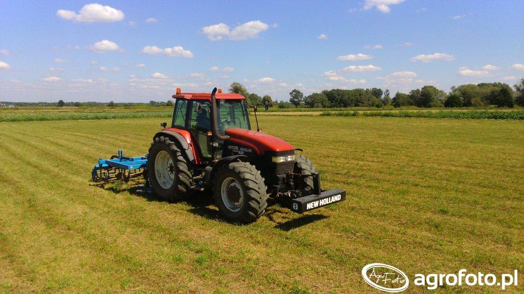 New Holland M135 + AgroLift