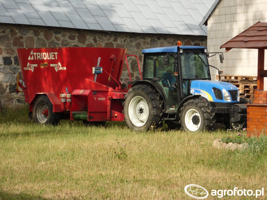 New Holland T4020+ Trioliet Solomix 2 1000