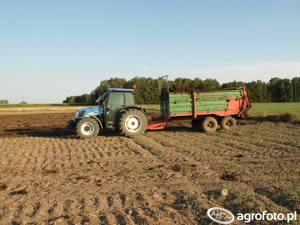 New Holland T4020 + Warfama N218/2