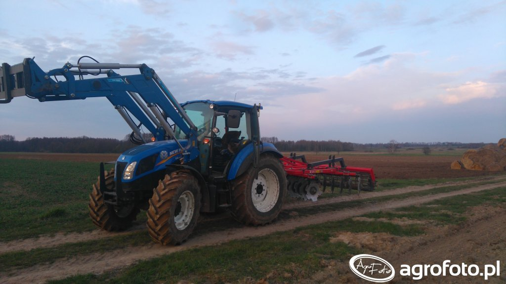 New Holland t4.85 + akpil 3.15