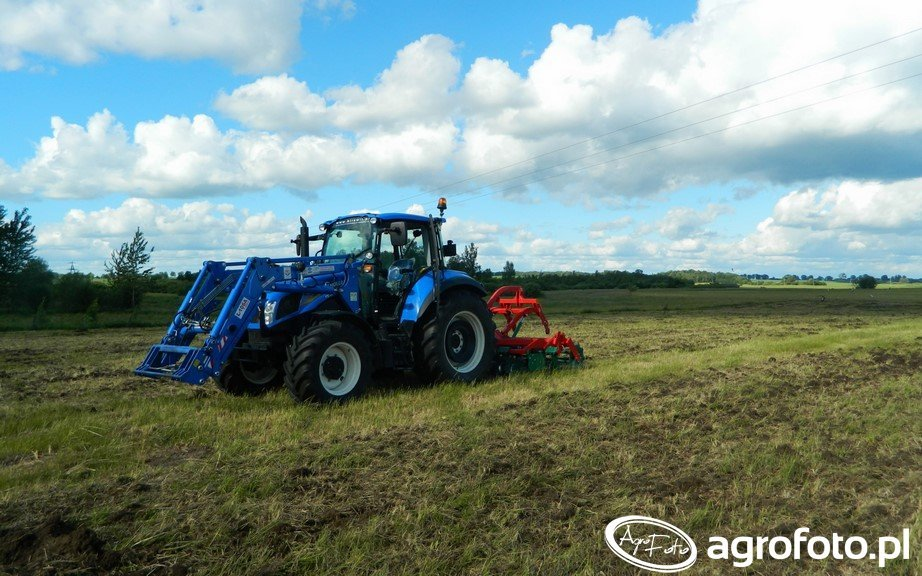 New Holland T5.105 DC / Agro-Masz AT 270
