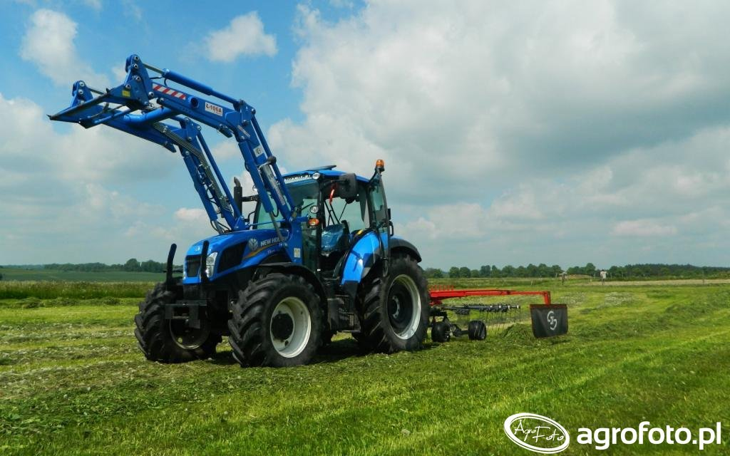 New Holland T5.105 / JF Stoll 420 DS