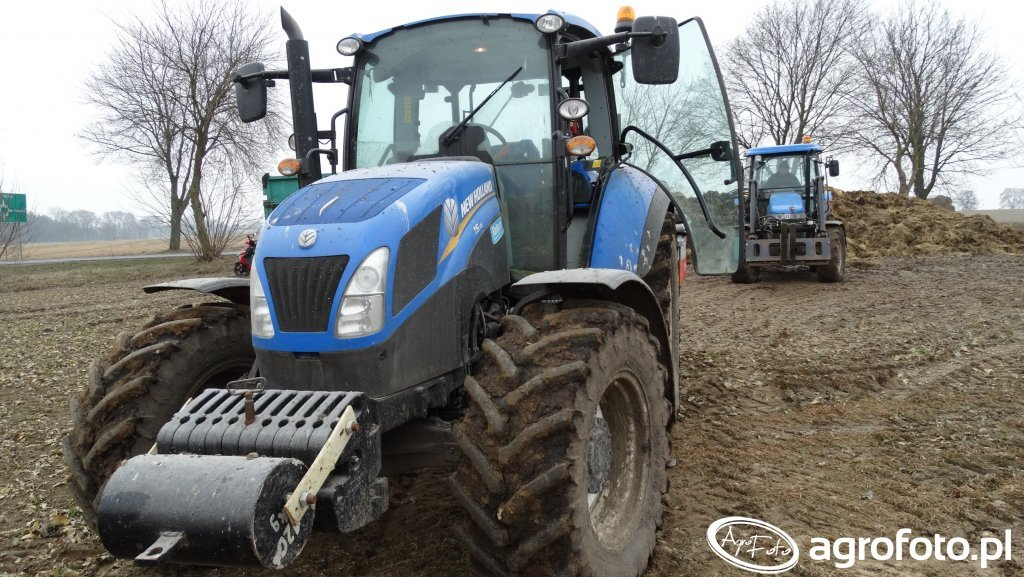 New Holland T5.115 & New Holland TD70D