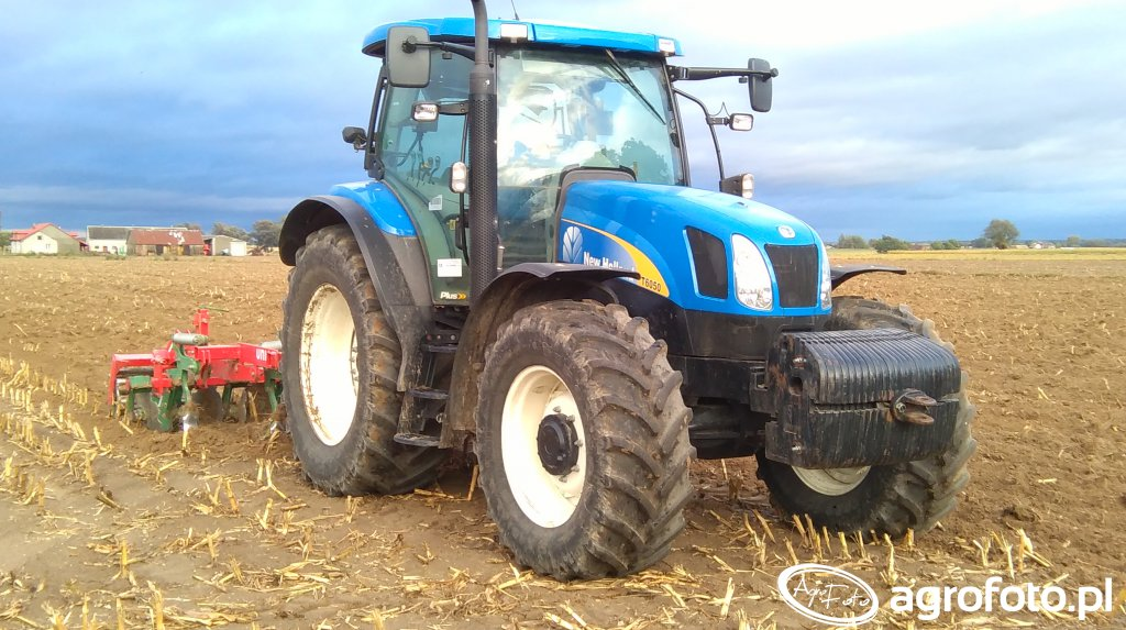 New Holland T6050 + Unia KOS
