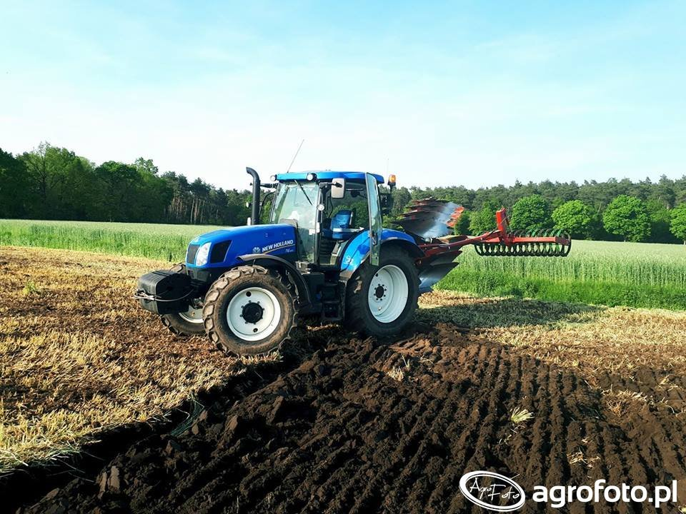 New Holland T6.165 & AgroMasz