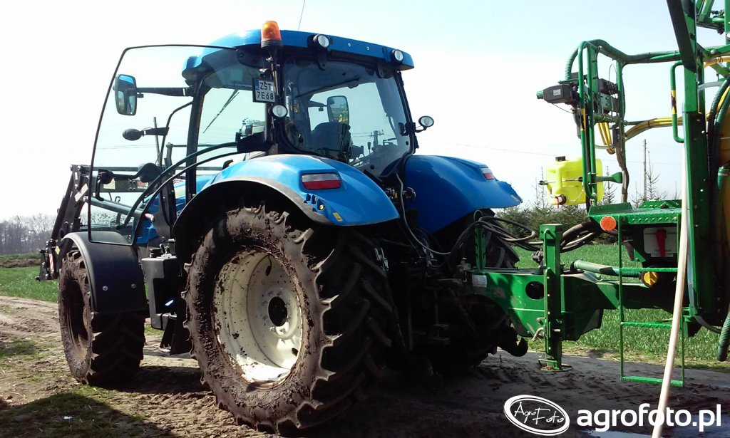 New Holland T6.165 & Pilmet 2518 Plus