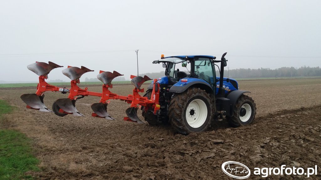 New Holland T7 165