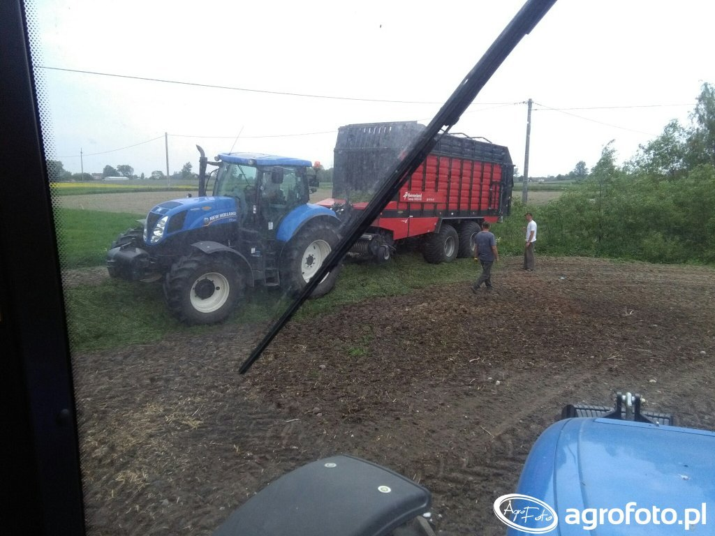 New Holland t7. 200 i kverneland
