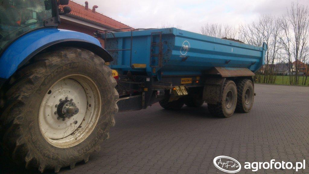 New Holland t7030 i Przyczepa budowlana firmy Wielton.