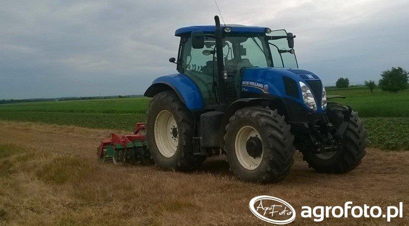 New Holland T7.200 + agregat uprawowo-siewny agro-masz