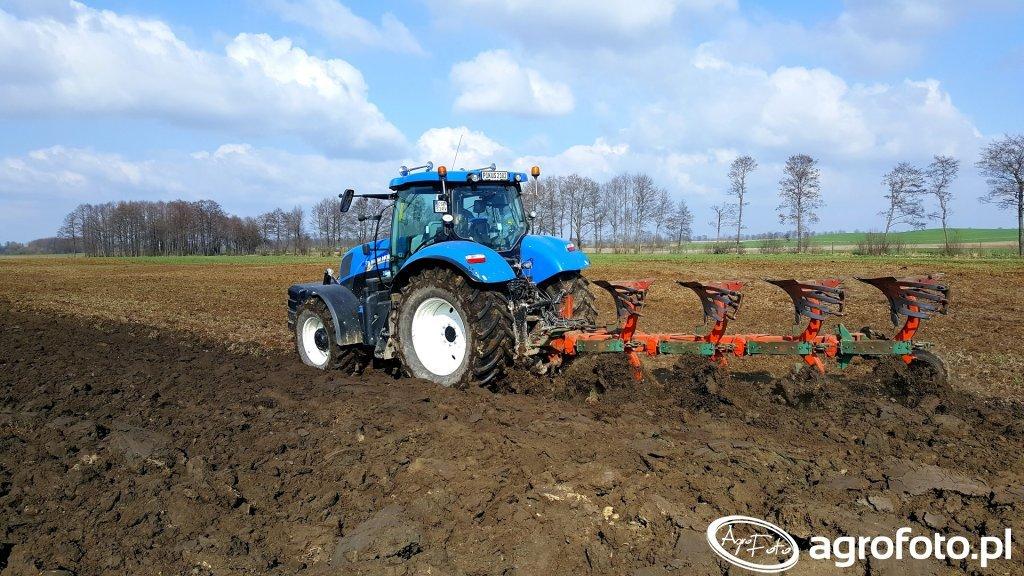 New Holland T7.210 & Kverneland