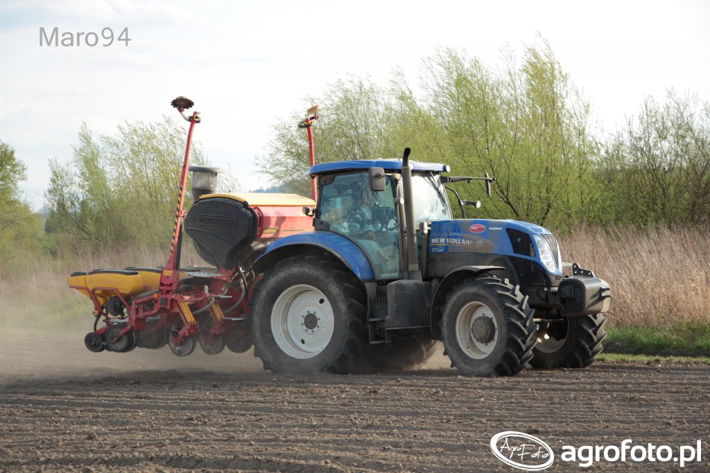 New Holland T7.210 + Vaderstad Tempo T