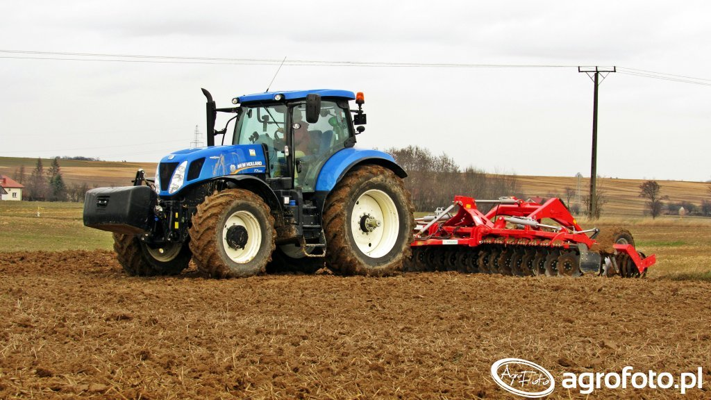 New Holland T7.220 & Grano System Shark 5.0
