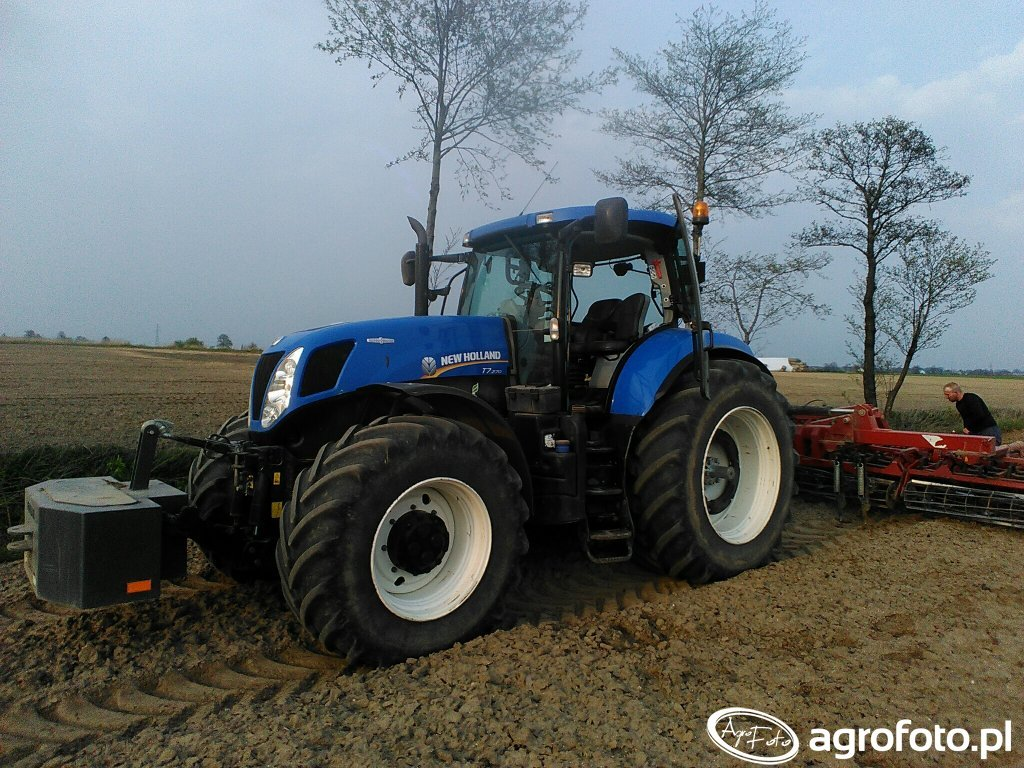 New Holland T7.270 AC + Expom Wicher 5.6m