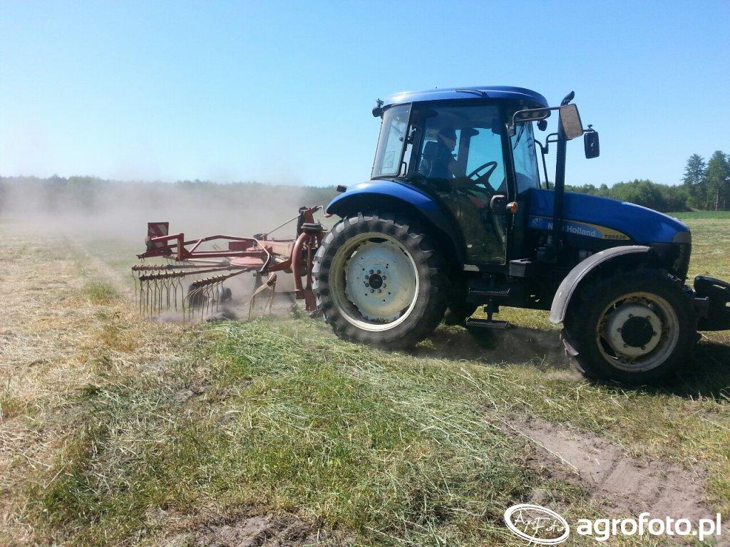 New Holland TD5020 + zgrabiarka nemeyer