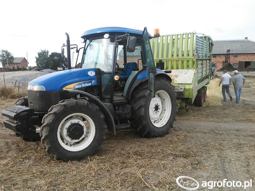 New Holland Td5050 & Claas Sprint 330K