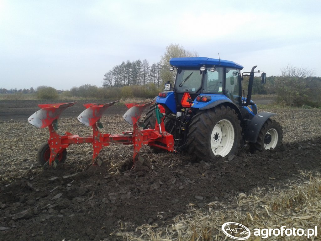 New Holland TD5.85 & Agro Masz POL3