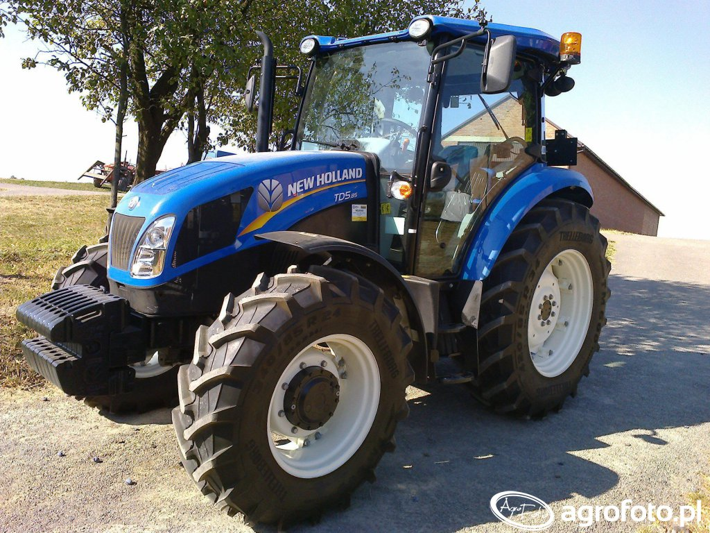 New holland td5 :)