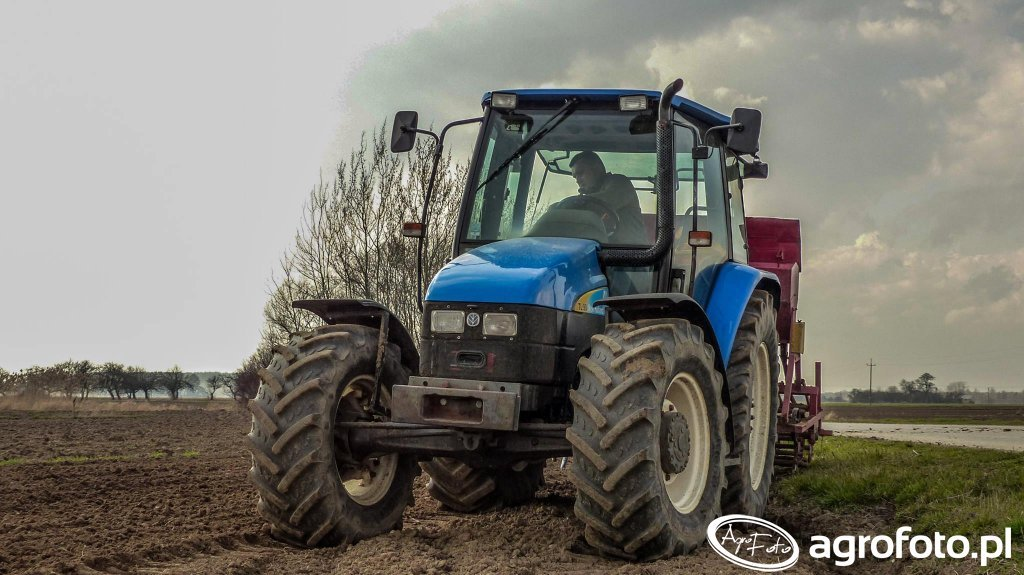New Holland TL90