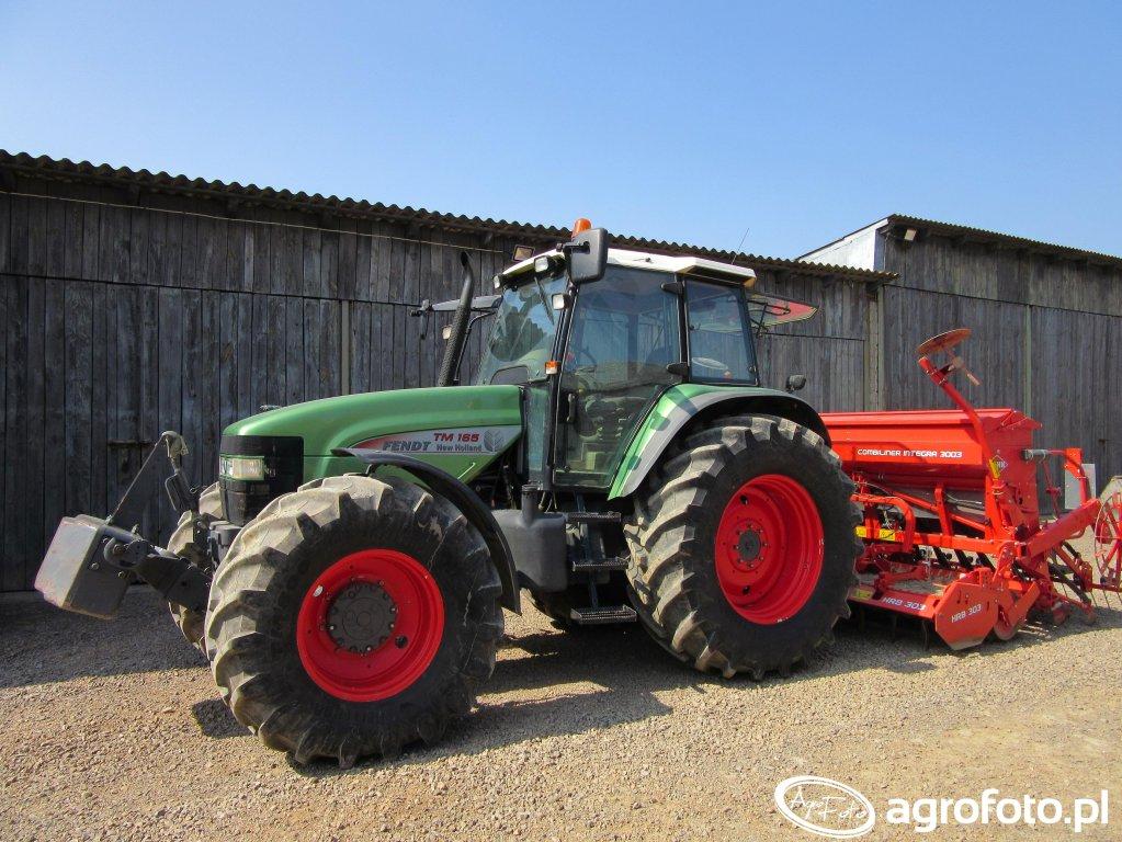New Holland TM 165 + Kuhn Integra 3003