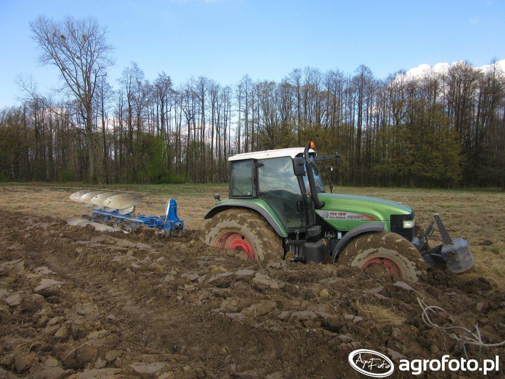 New Holland TM 165  +  Overum Vari Flex