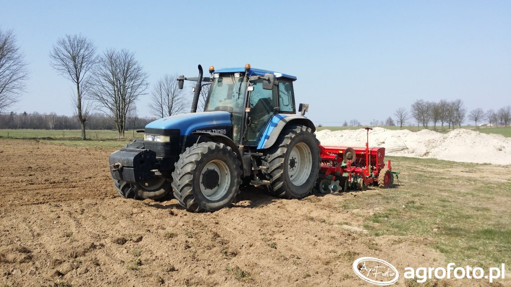 New Holland TM165 & Unia