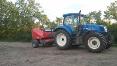 New Holland T6 175 + Famarolka