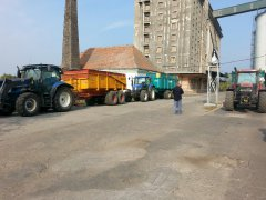New Holland T6010 I T6030 & Case MXM120 + Veenhuis i 2 Camary