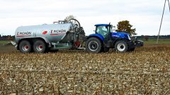 New Holland T7.250 + pichon