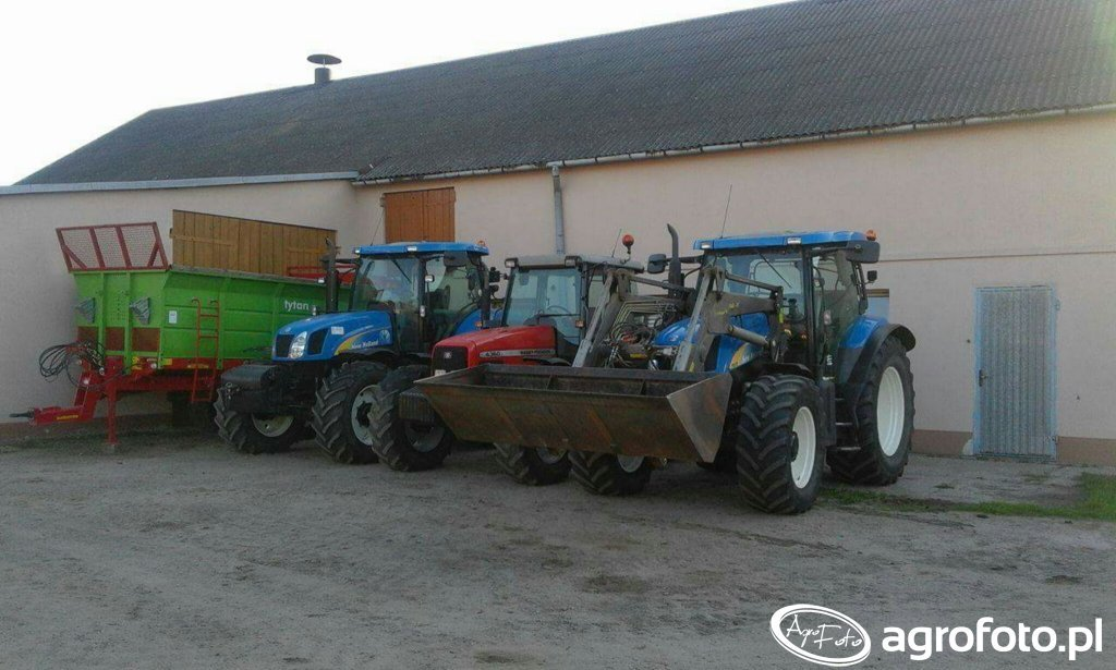 Unia Tytan 11 & NH T6050 RC & MF 4360 & NH TS125A PLUS