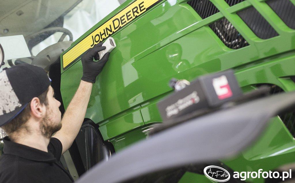 John Deere 6140r - odnowa lakieru