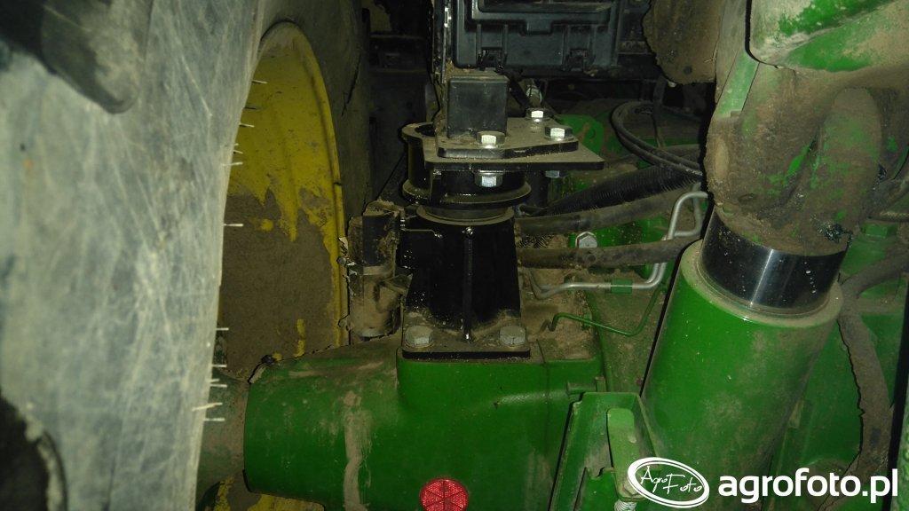 John Deere 6150m modernizacja układu zawieszenia kabiny