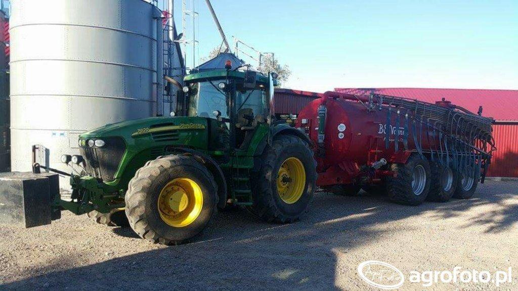 John Deere 7920 i BS Vognen 25 000 litrow lance 20m