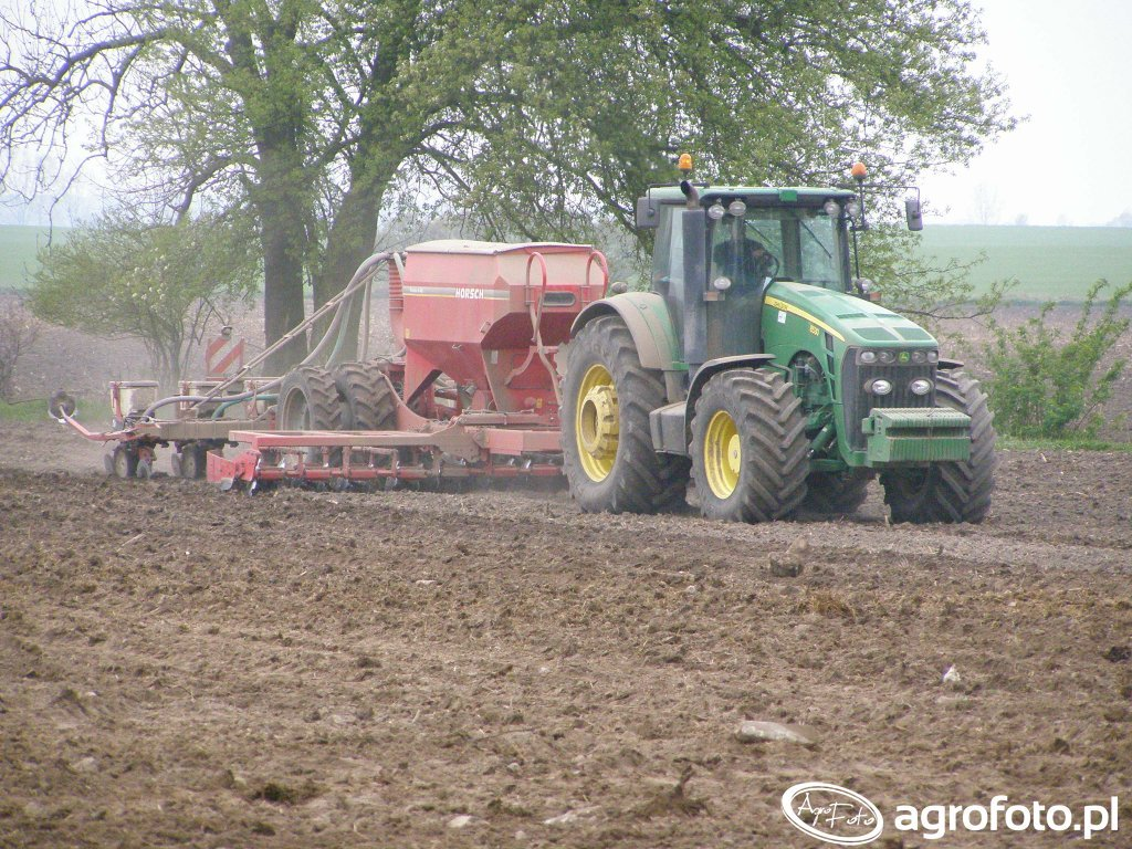 John Deere 8530 & Horsch Pronto 6 AS