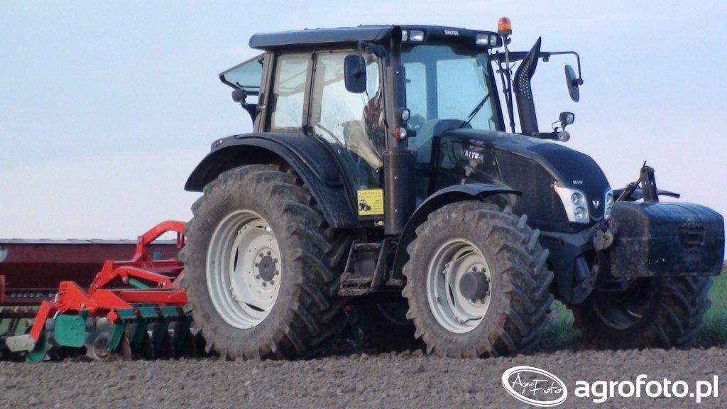 Valtra N113 & Agro-Masz