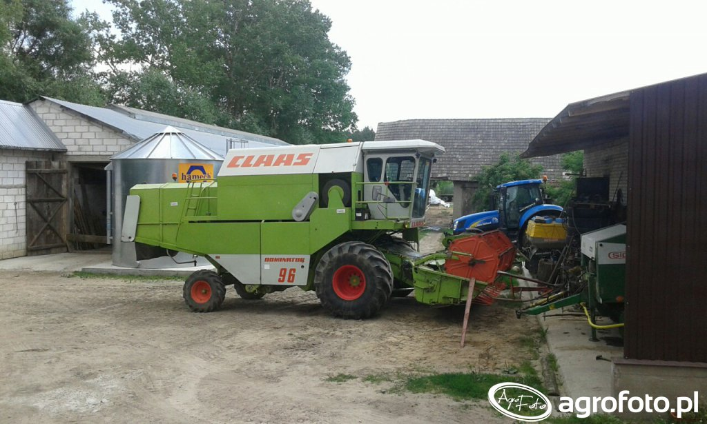 Claas Dominator 96 & New Holland T6030 RC