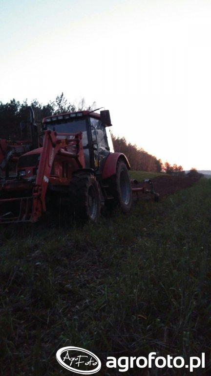 Farmer F 8244 c2 + Kverneland