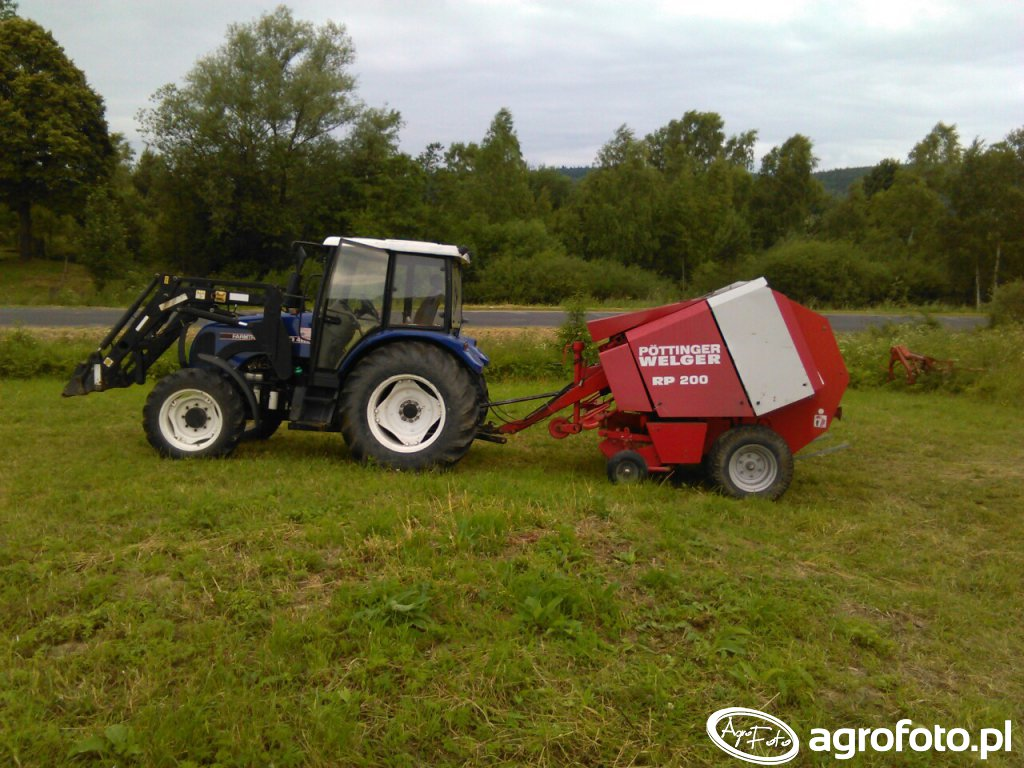 Farmtrac 80 4wd & welger rp 200