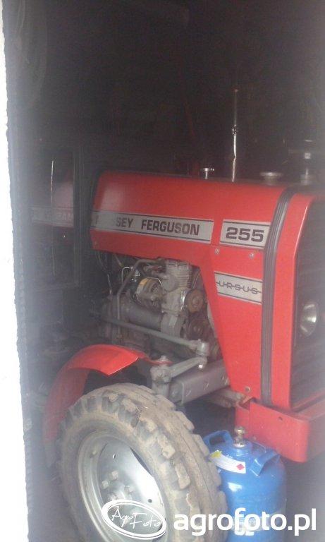 Massey Ferguson 255