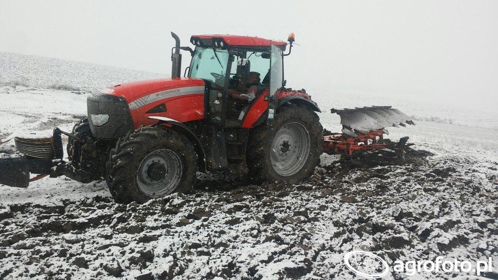 McCormick TTx210 i kuhn multi-master 152