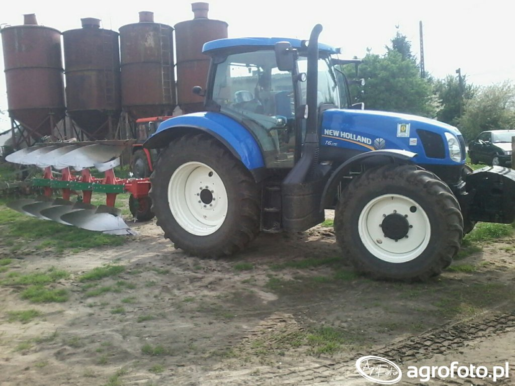 New Holland T6.175 + Unia Vario 4S Long
