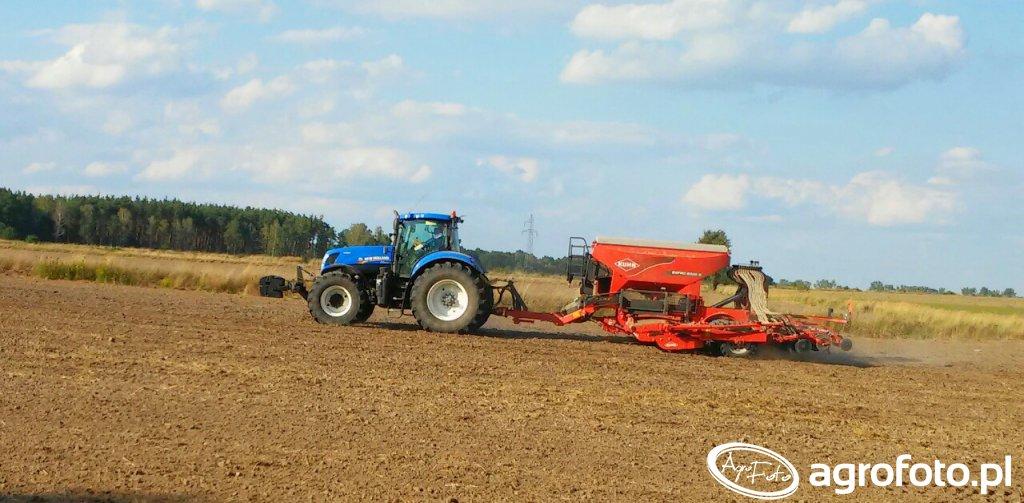 New Holland T7 270 AC + KUHN ESPRO