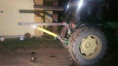 John Deere 3050 plus ładowacz na tył w trakcie budowy