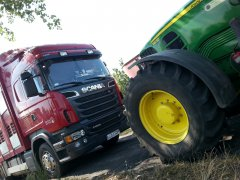 John deere vs Scania